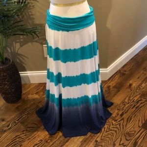 Ombré / Tie Dye (ish) maxi skirt. Size Large.